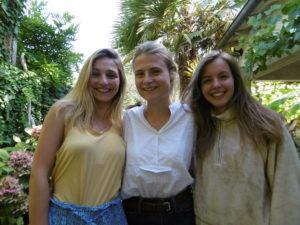 de gauche à droite Blanche, Agathe et Laura